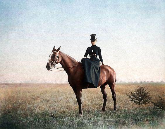 Imperatritsa-Mariya-Fedorovna-vo-vremya-poezdki-v-ohotnichi-ugodya-1890-g